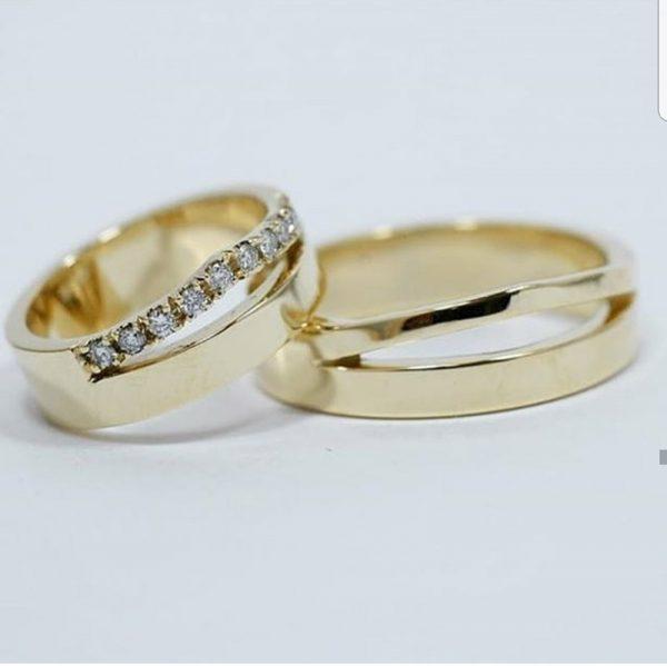 Oro amarillo y diamantes - 18K